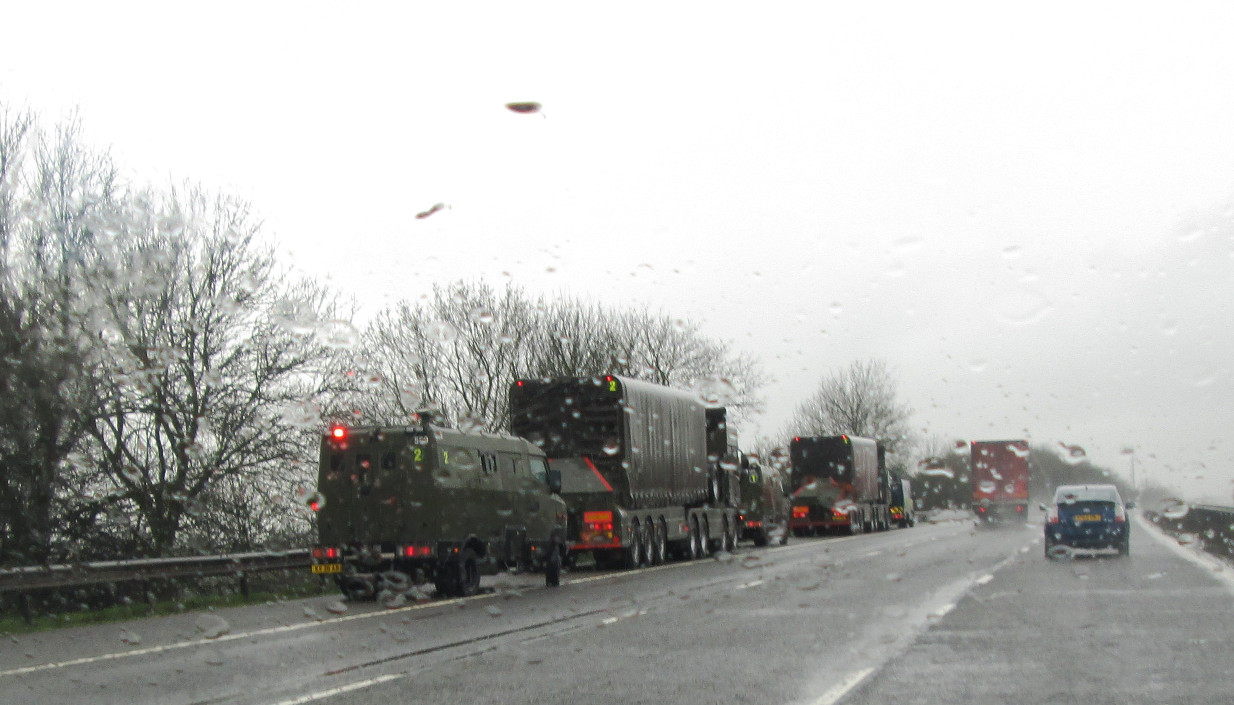 convoy stopped M69 20.3.17 001